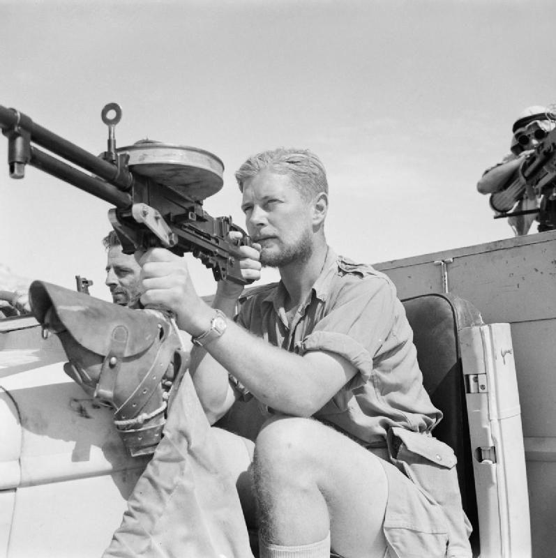 Diverses photos de la WWII - Page 2 3042
