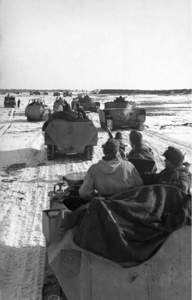 Diverses photos de la WWII - Page 6 30811