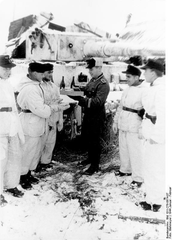 Diverses photos de la WWII - Page 38 31423