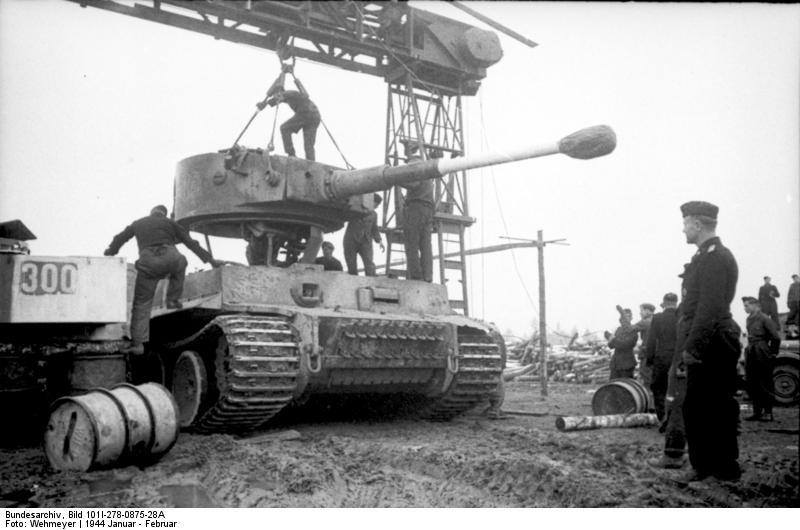Diverses photos de la WWII - Page 38 31923