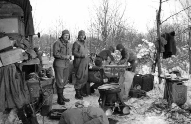 Diverses photos de la WWII - Page 6 32310
