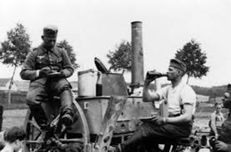 Diverses photos de la WWII - Page 6 32410
