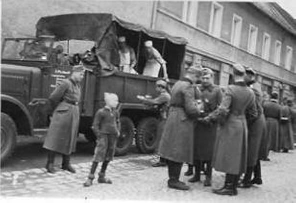 Diverses photos de la WWII - Page 6 32610