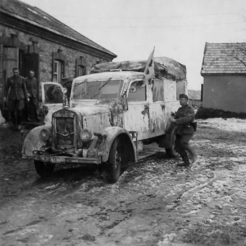 Diverses photos de la WWII - Page 37 3441