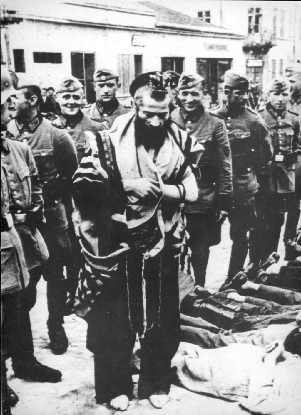 Diverses photos de la WWII (fichier 7) - Page 34 35826