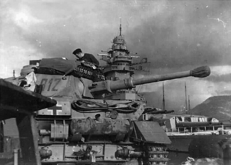 Diverses photos de la WWII - Page 9 36010