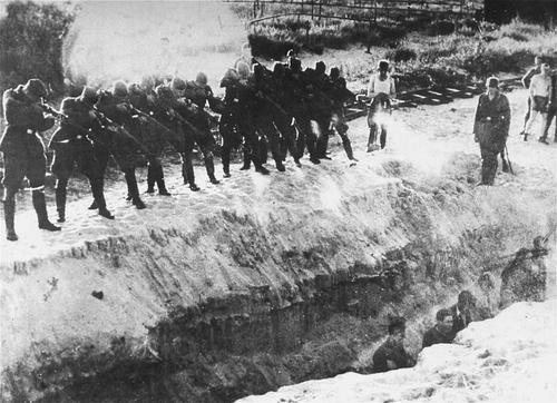 Diverses photos de la WWII (fichier 7) - Page 34 36125
