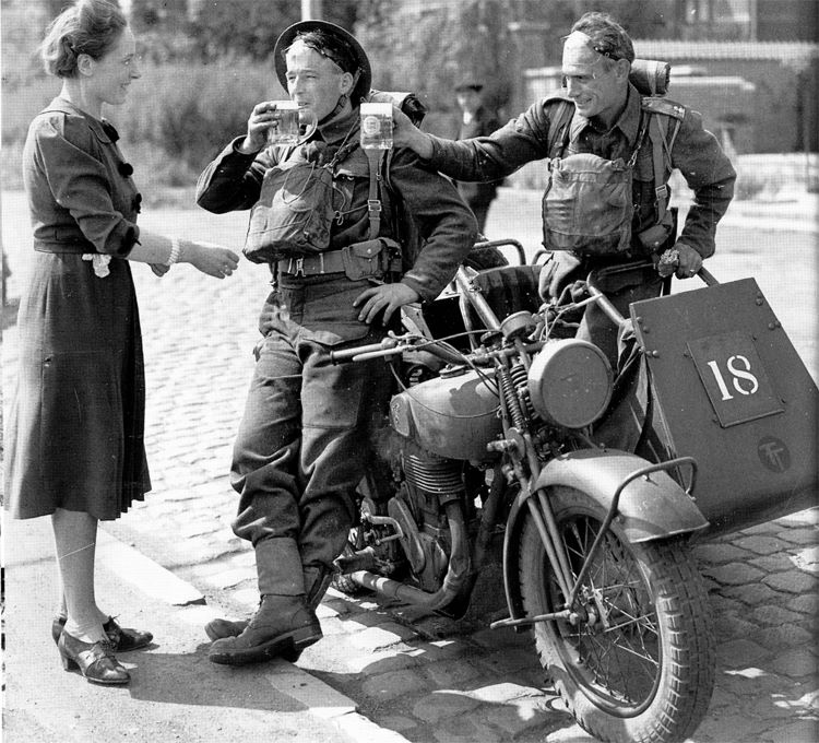 Diverses photos de la WWII - Page 39 3636