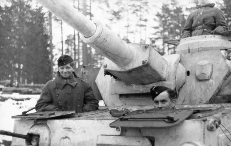 Diverses photos de la WWII - Page 39 368