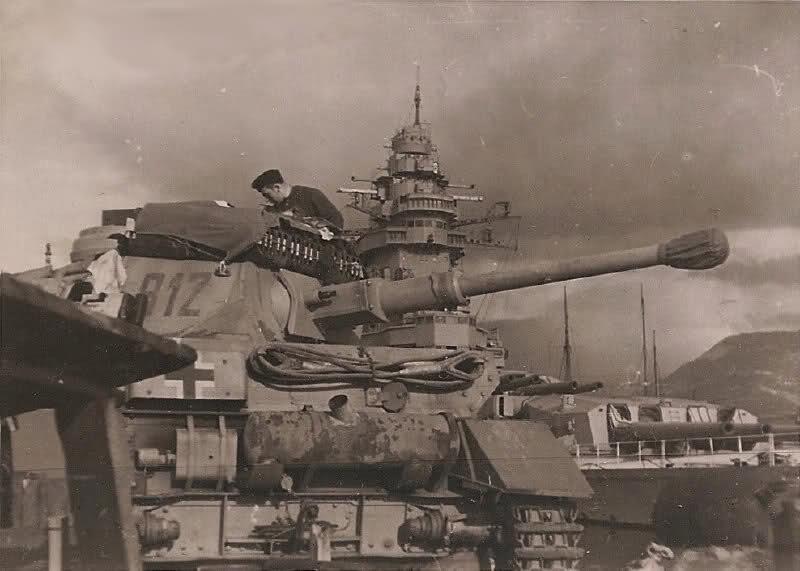 Diverses photos de la WWII - Page 9 36810
