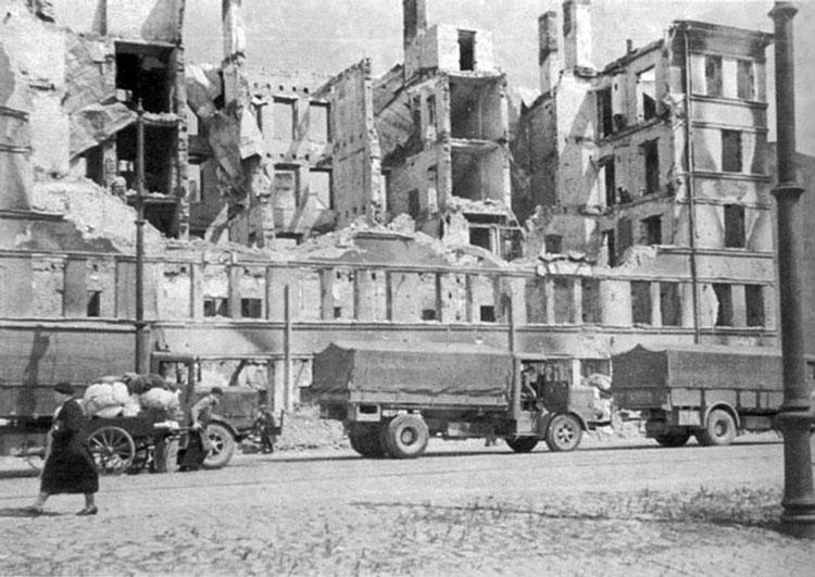 Diverses photos de la WWII - Page 6 37314