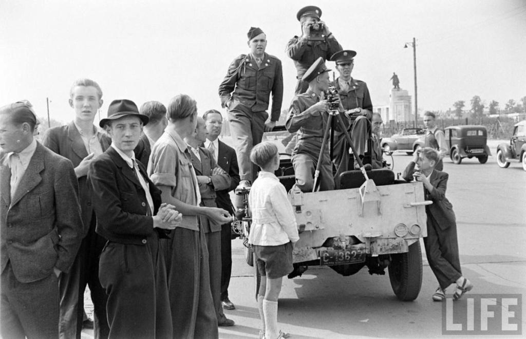 Diverses photos de la WWII - Page 2 374