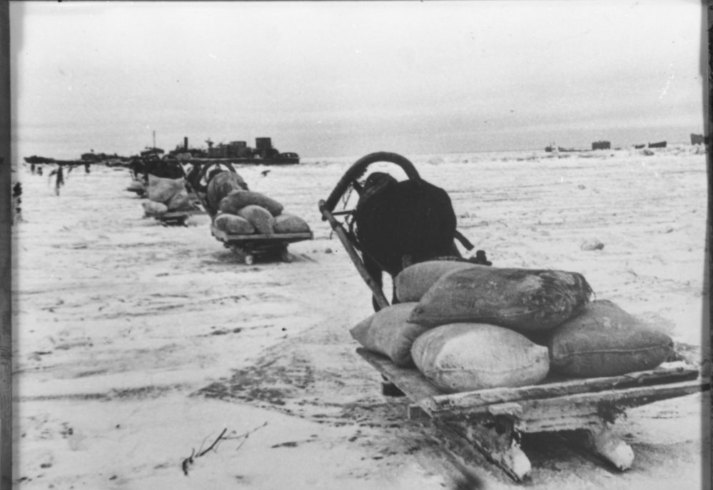 Diverses photos de la WWII - Page 2 3741