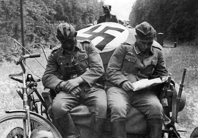 Diverses photos de la WWII - Page 6 37814
