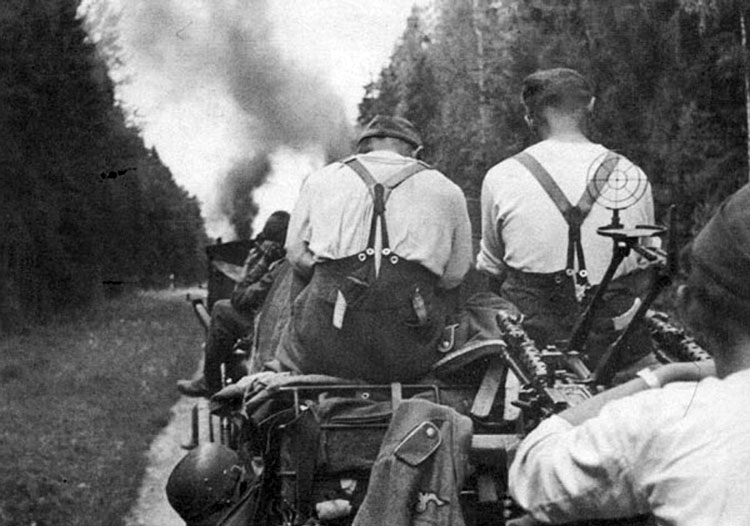 Diverses photos de la WWII - Page 6 37914