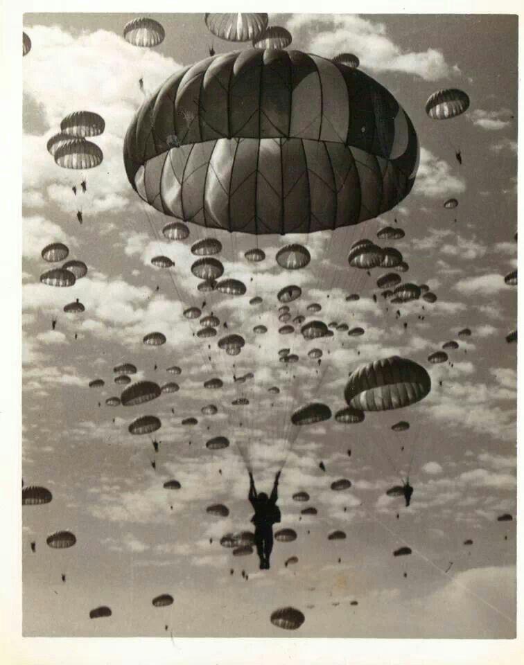 Diverses photos de la WWII (fichier 7) - Page 34 39030
