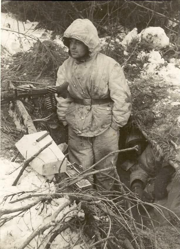 Diverses photos de la WWII (fichier 7) - Page 34 40523