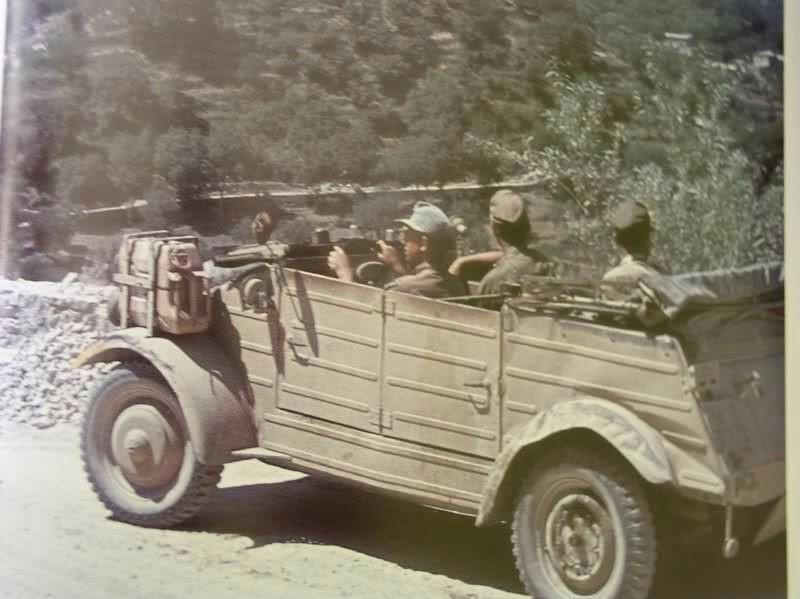 Diverses photos de la WWII (fichier 8) - Page 37 41029