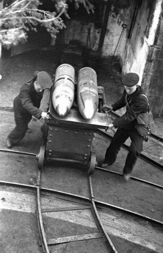 Diverses photos de la WWII - Page 2 4137