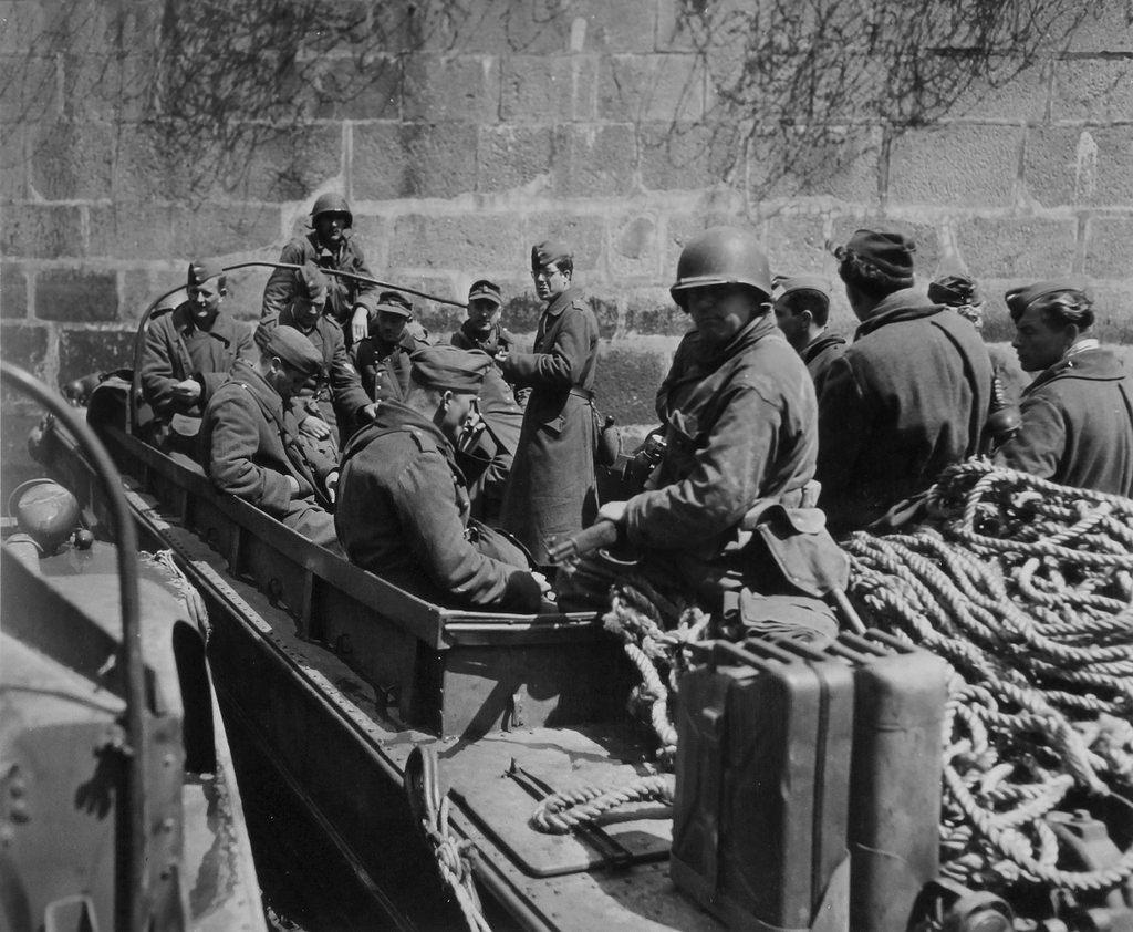 Diverses photos de la WWII (fichier 8) - Page 37 41423