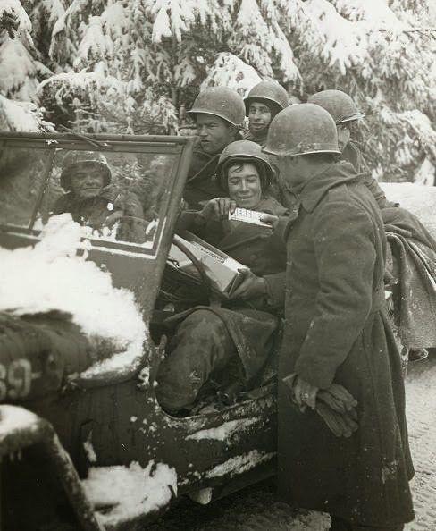 Diverses photos de la WWII - Page 37 4150