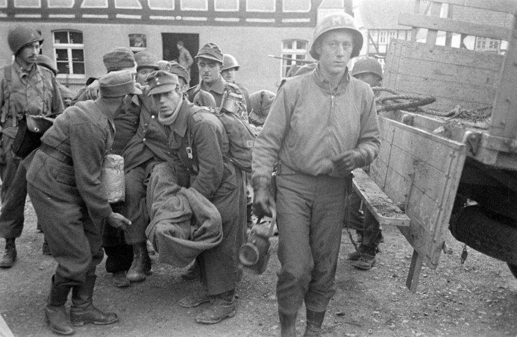 Diverses photos de la WWII (fichier 8) - Page 37 41524