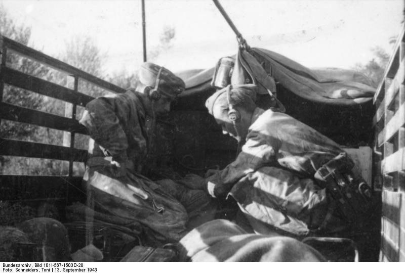 Diverses photos de la WWII (fichier 7) - Page 34 42021