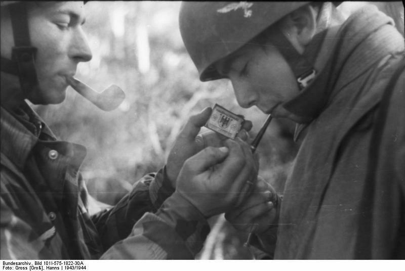 Diverses photos de la WWII (fichier 7) - Page 34 42121