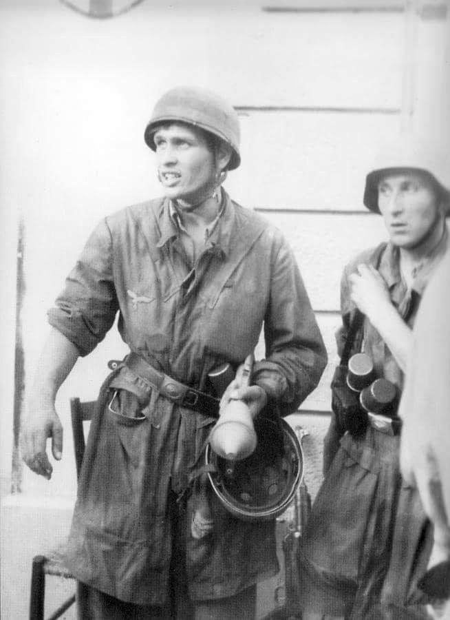 Diverses photos de la WWII (fichier 8) - Page 38 42823