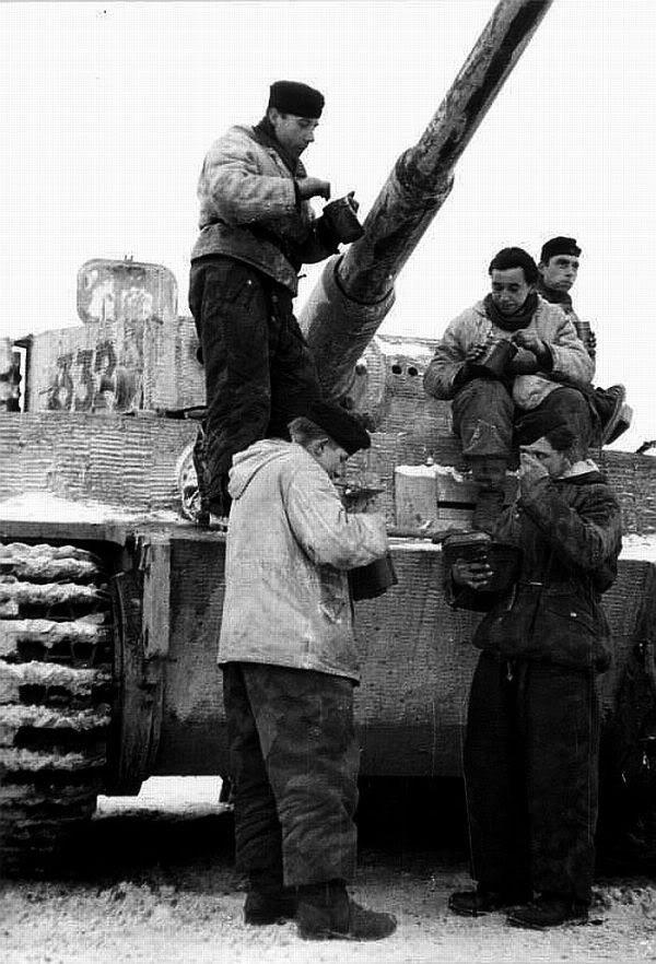 Diverses photos de la WWII - Page 2 4435