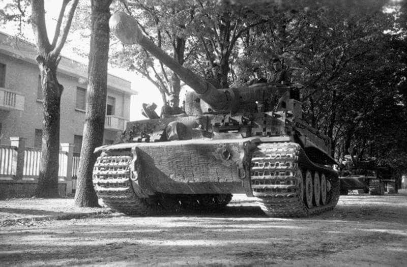 Diverses photos de la WWII - Page 2 4535
