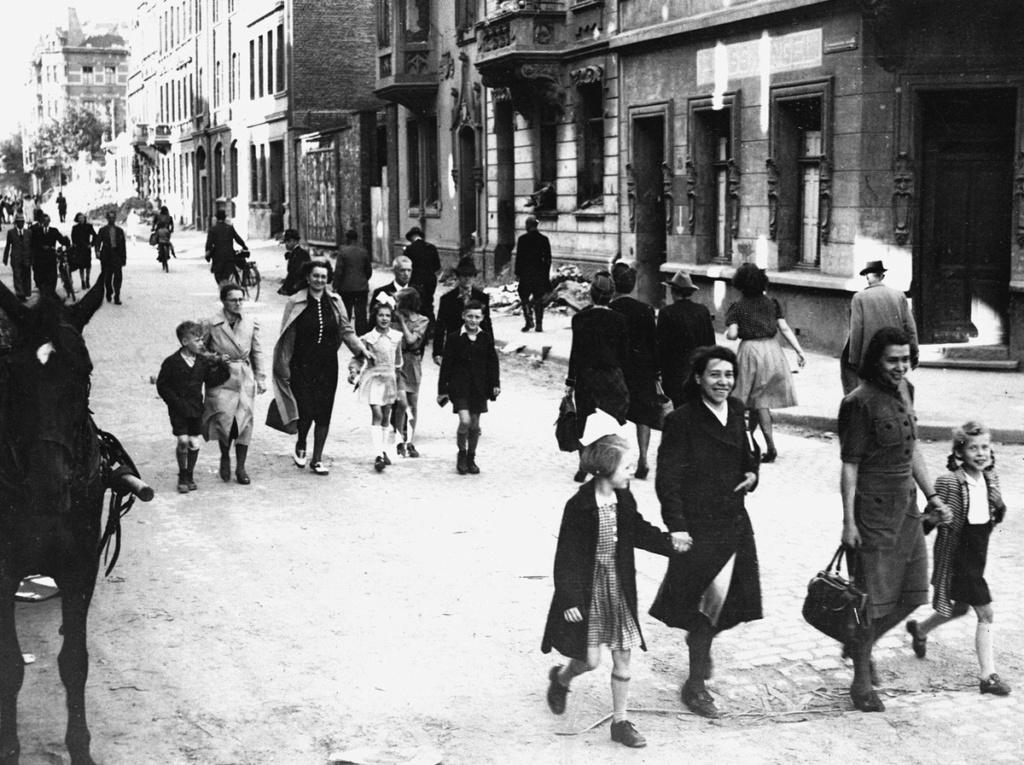 Diverses photos de la WWII - Page 37 54016