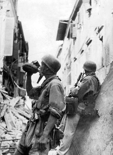 Diverses photos de la WWII (fichier 9) - Page 3 54222