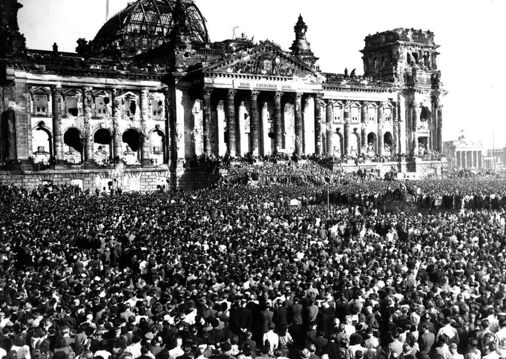 Diverses photos de la WWII - Page 37 55016