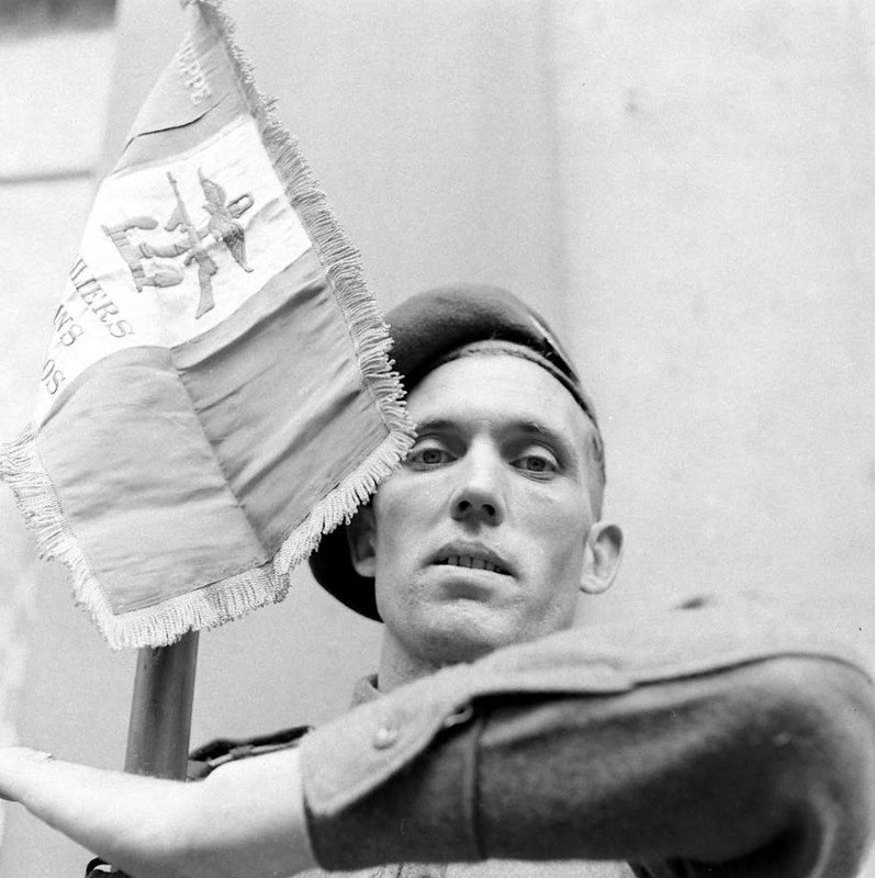 Diverses photos de la WWII - Page 37 55717
