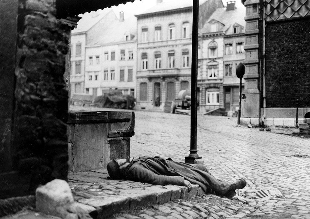 Diverses photos de la WWII - Page 37 56416