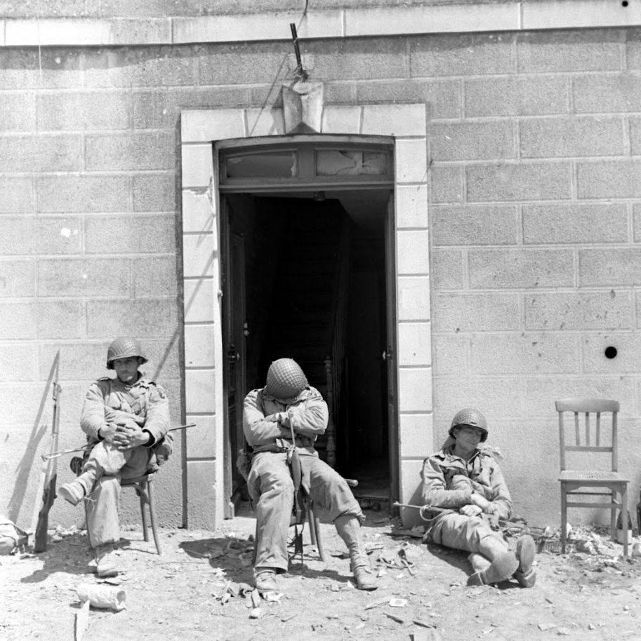 Diverses photos de la WWII - Page 37 57415