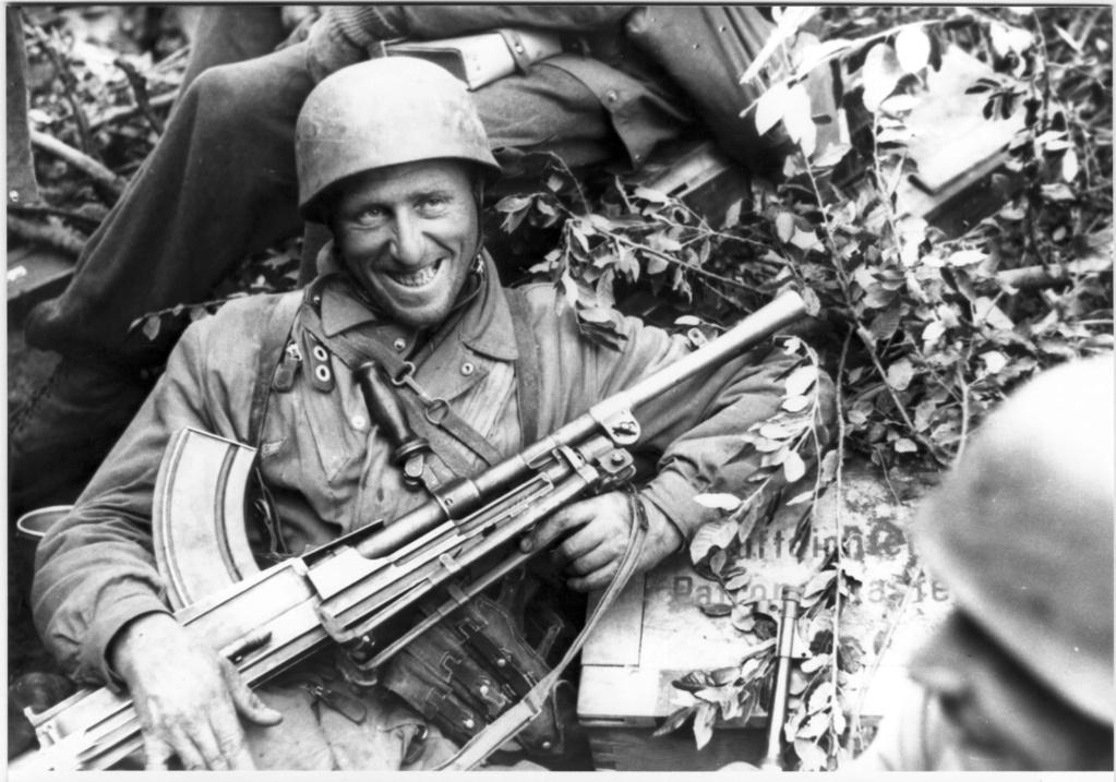 Diverses photos de la WWII - Page 39 57717