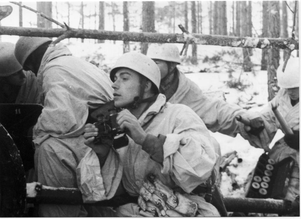 Diverses photos de la WWII - Page 37 57815