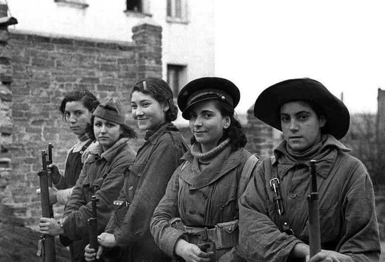 Diverses photos de la WWII - Page 37 58410