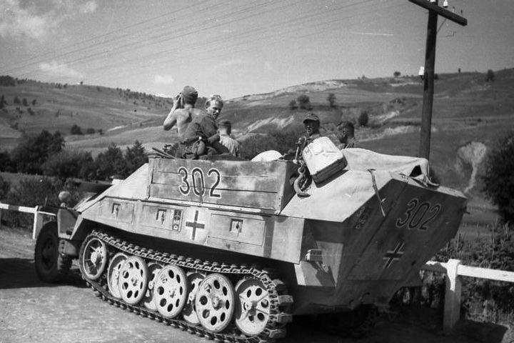 Diverses photos de la WWII (fichier 7) - Page 37 61222