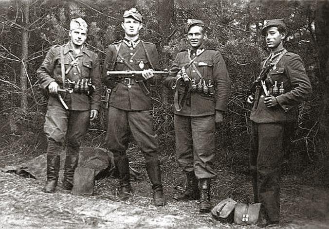 Diverses photos de la WWII - Page 6 61319