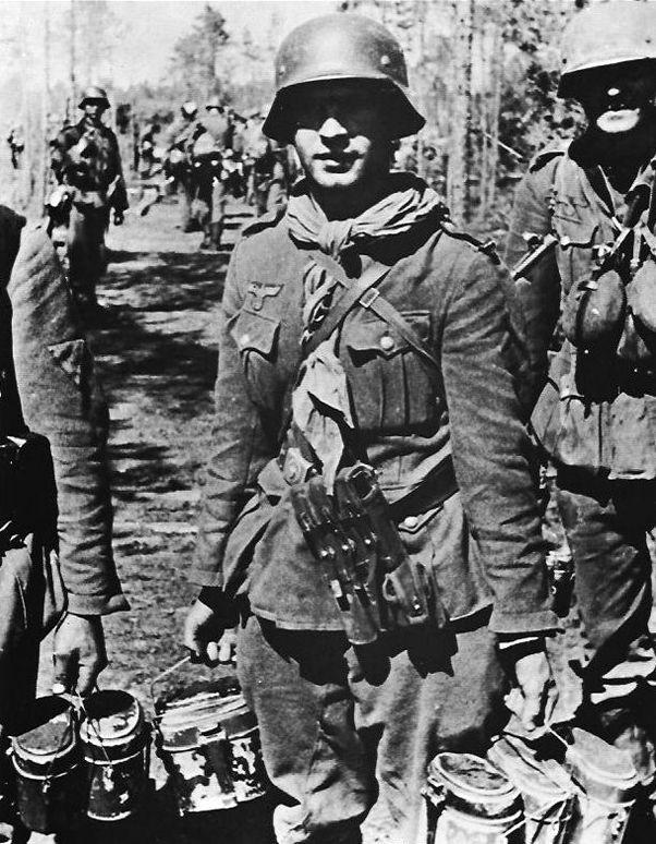 Diverses photos de la WWII (fichier 7) - Page 37 62323