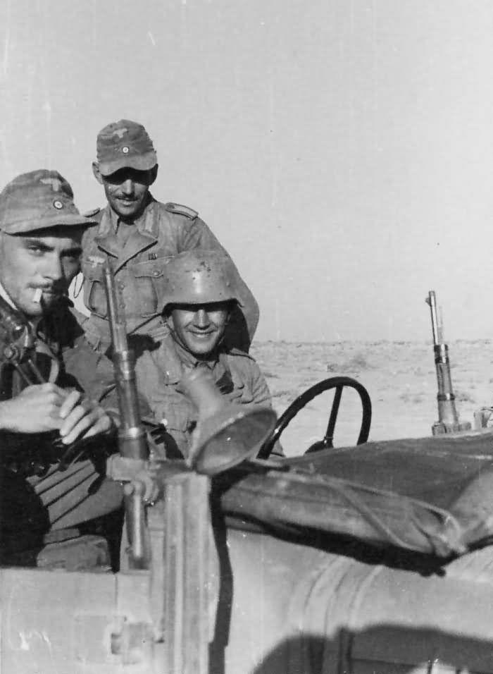 Diverses photos de la WWII - Page 39 63215