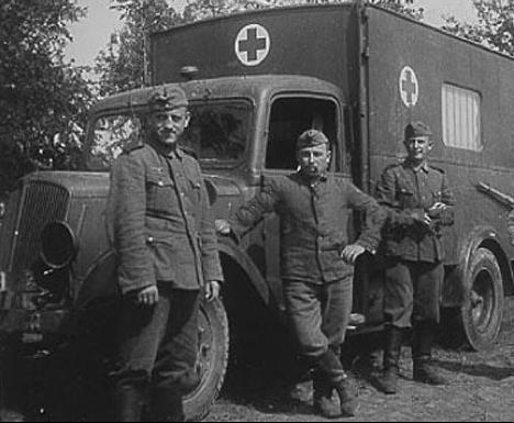 Diverses photos de la WWII - Page 40 6412