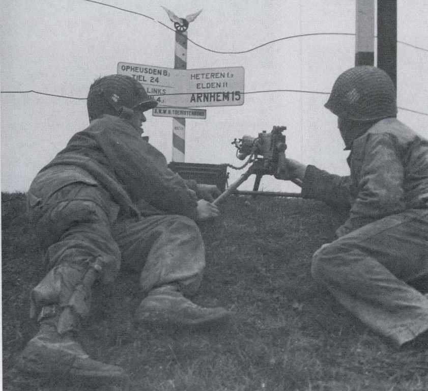Diverses photos de la WWII - Page 39 65116