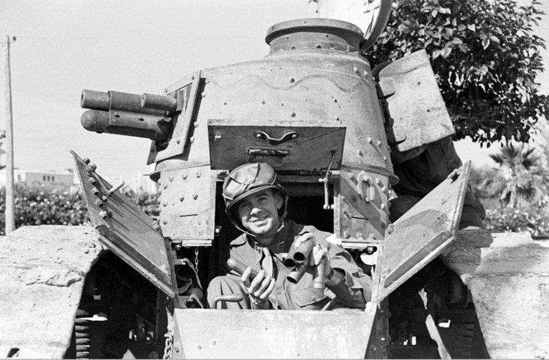 Diverses photos de la WWII - Page 39 65517