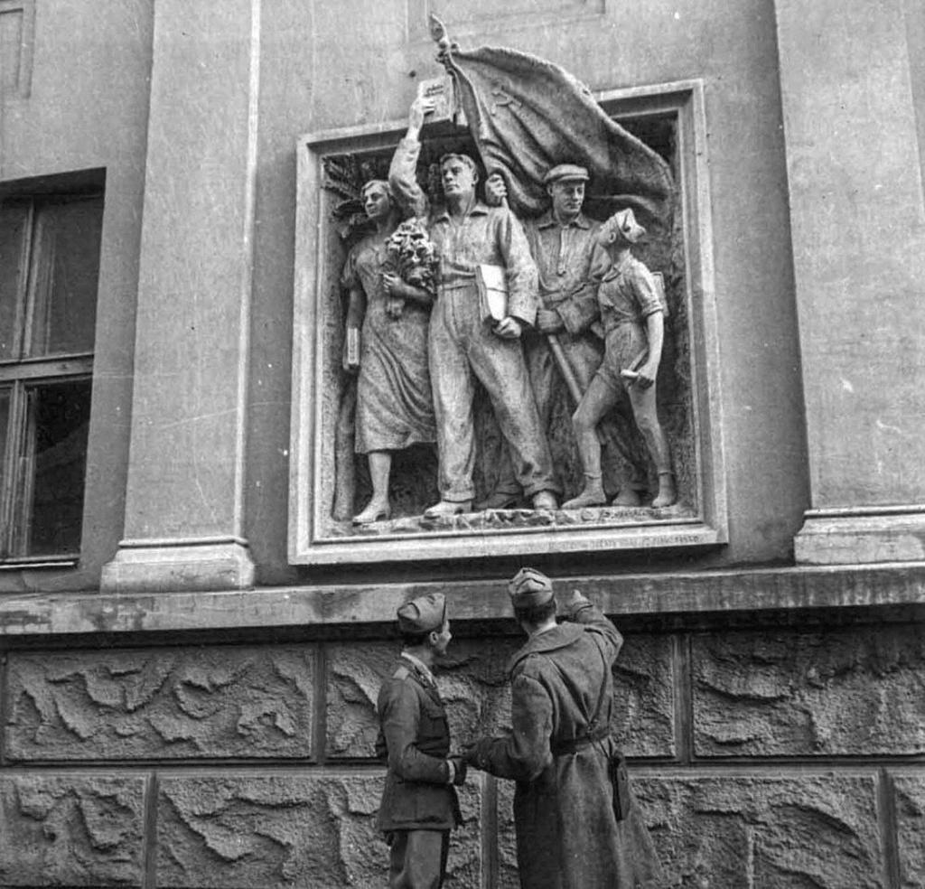 Diverses photos de la WWII - Page 37 65610
