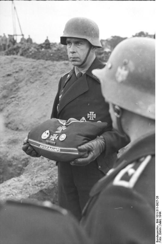 Diverses photos de la WWII - Page 39 65715