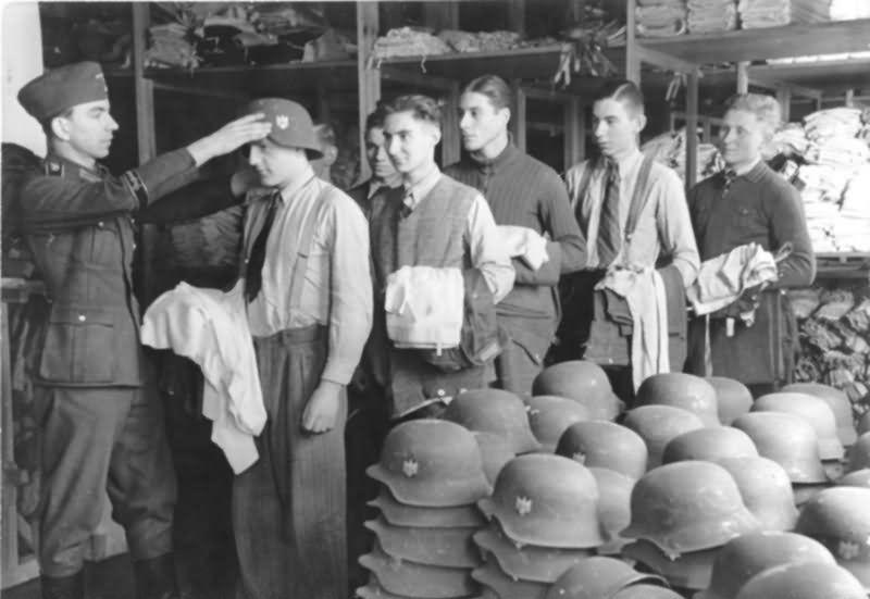 Diverses photos de la WWII (fichier 7) - Page 39 65722